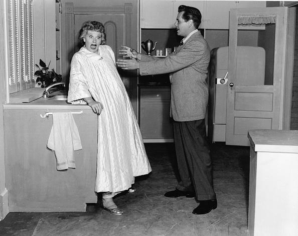 Kitchen「 Lucille Ball & Desi Arnaz In 'I Love Lucy'」:写真・画像(19)[壁紙.com]