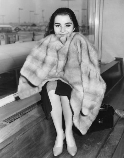 Warm Clothing「Brigid Bazlen」:写真・画像(8)[壁紙.com]