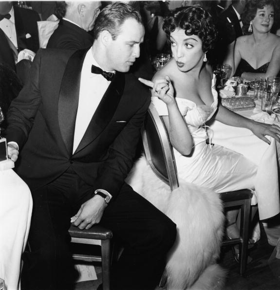 Formalwear「Marlon Brando & Katy Jurado At Awards Dinner」:写真・画像(16)[壁紙.com]