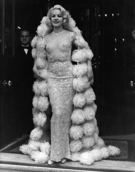 ドレス「Carroll Baker」:写真・画像(10)[壁紙.com]