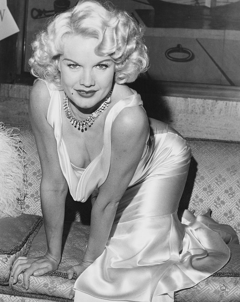Jewelry「Carroll Baker As Jean Harlow」:写真・画像(15)[壁紙.com]