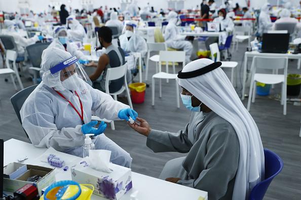 United Arab Emirates「Covid-19 Testing Centers Near Dubai-Abu Dhabi Border」:写真・画像(9)[壁紙.com]