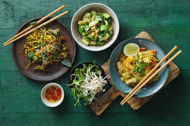 Bowls with Japanese food:スマホ壁紙(壁紙.com)