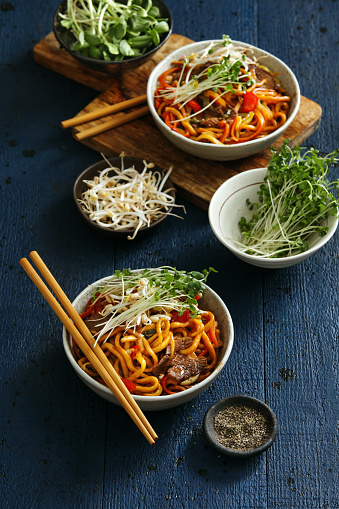 Bean Sprout「Bowls with chow mein」:スマホ壁紙(8)