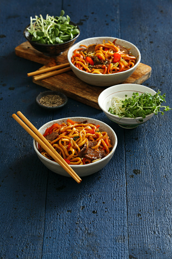 Bean Sprout「Bowls with chow mein」:スマホ壁紙(13)