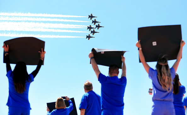Hope - Concept「The Blue Angels Fly Over Dallas Area To Honor Healthcare, Frontline And Essential Workers」:写真・画像(4)[壁紙.com]