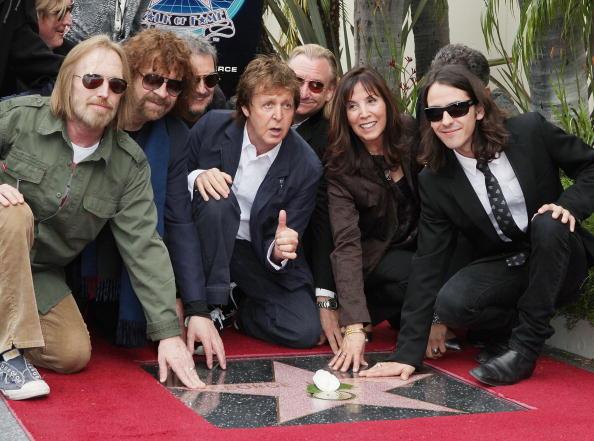 歩く「George Harrison Honored On The Hollywood Walk Of Fame」:写真・画像(9)[壁紙.com]