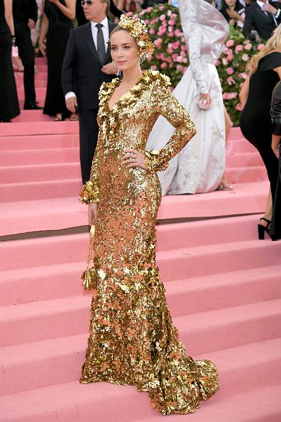 Gold Dress「The 2019 Met Gala Celebrating Camp: Notes on Fashion - Arrivals」:写真・画像(18)[壁紙.com]