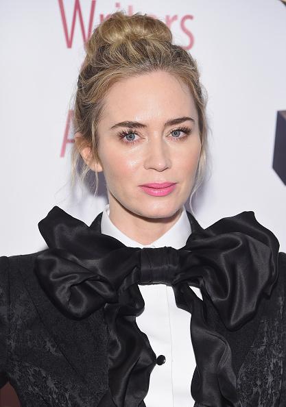 Emily Blunt「71st Annual Writers Guild Awards - New York Ceremony - Arrivals」:写真・画像(12)[壁紙.com]
