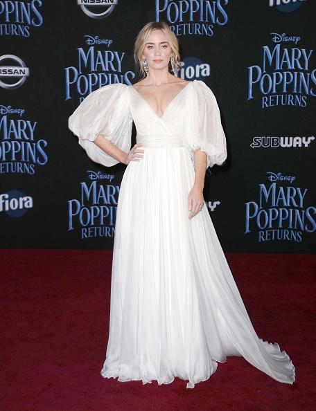 "White Dress「Premiere Of Disney's ""Mary Poppins Returns"" - Arrivals」:写真・画像(4)[壁紙.com]"