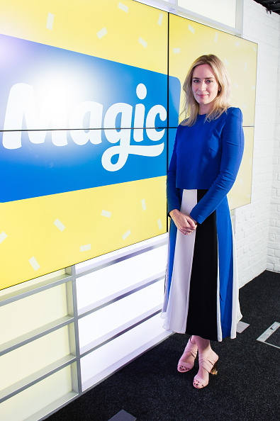 Midi Skirt「Emily Blunt Visits Magic Radio」:写真・画像(4)[壁紙.com]