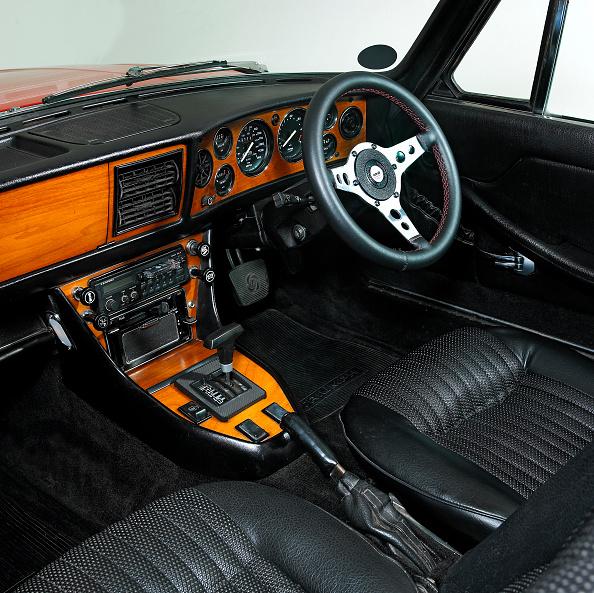 Double-Decker Bus「1973 Triumph Stag」:写真・画像(13)[壁紙.com]
