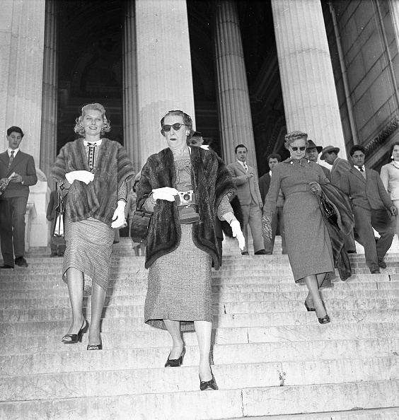 Women「Grace Kelly's mother and sister in Rome in 1956」:写真・画像(14)[壁紙.com]