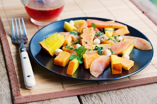カリン「Pumpkin, sweet potato quince salad with hazelnuts and fresh chopped herbs」:スマホ壁紙(16)
