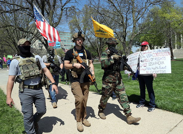 Anti-Quarantine Protest「Protestors Rally At Kansas State Capitol Against Governor's Stay-At-Home Order」:写真・画像(1)[壁紙.com]