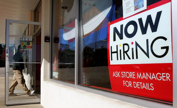 Employment And Labor「Job Growth, Unemployment Rate Both Drop In September」:写真・画像(1)[壁紙.com]