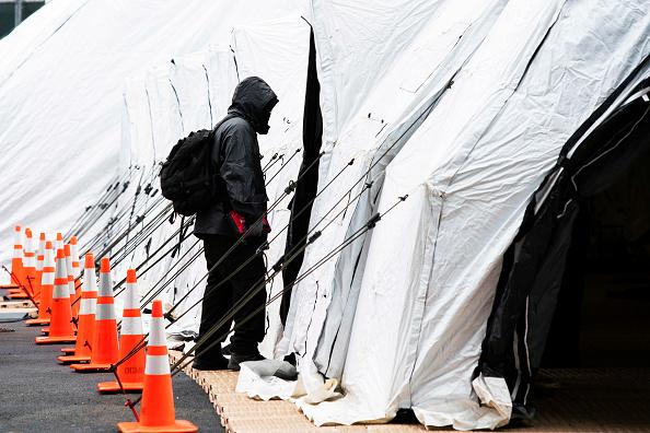 Eduardo Munoz Alvarez「Coronavirus Pandemic Causes Climate Of Anxiety And Changing Routines In America」:写真・画像(13)[壁紙.com]