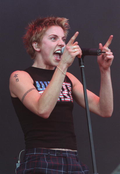 Spice「Mel C performs at the V99 festival in Chelmsford on August 21st 1999」:写真・画像(12)[壁紙.com]