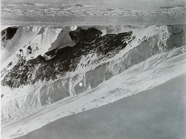 Ski Pole「Slope Of The Warning Glacier」:写真・画像(11)[壁紙.com]