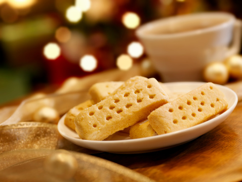 English Culture「Shortbread Cookies at Christmas Time」:スマホ壁紙(7)