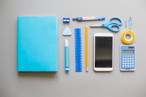 Arrangement「Blue school supplies on grey background」:スマホ壁紙(11)