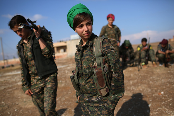 Females「Syrian Kurdish Republic Of Rojava Becomes Bulwark In Battle Against ISIL」:写真・画像(7)[壁紙.com]