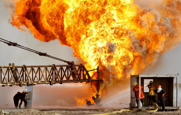 Middle East「Oil Fires Burn In Iraq」:写真・画像(18)[壁紙.com]