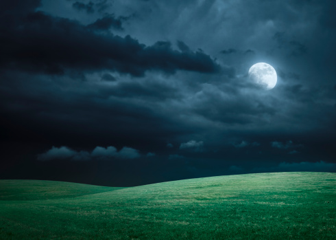 Horror「Hilly meadow at night with full moon, clouds and grass」:スマホ壁紙(10)