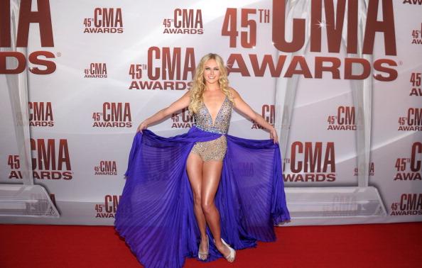 Sleeveless Top「45th Annual CMA Awards  - Arrivals」:写真・画像(13)[壁紙.com]