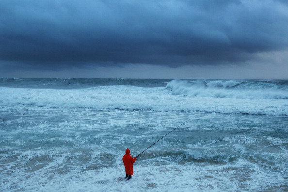 Fisherman「Wild Weather Hits Sydney」:写真・画像(4)[壁紙.com]