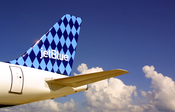 青「JetBlue Airlines in Ft. Lauderdale, Florida.」:写真・画像(8)[壁紙.com]
