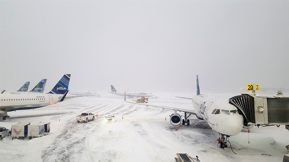 Kennedy Airport「Massive Winter Storm Brings Snow And Heavy Winds Across Large Swath Of Eastern Seaboard」:写真・画像(14)[壁紙.com]