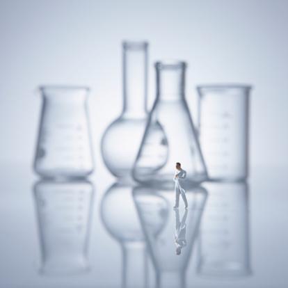 Figurine「Flask, beaker, and researcher.」:スマホ壁紙(12)