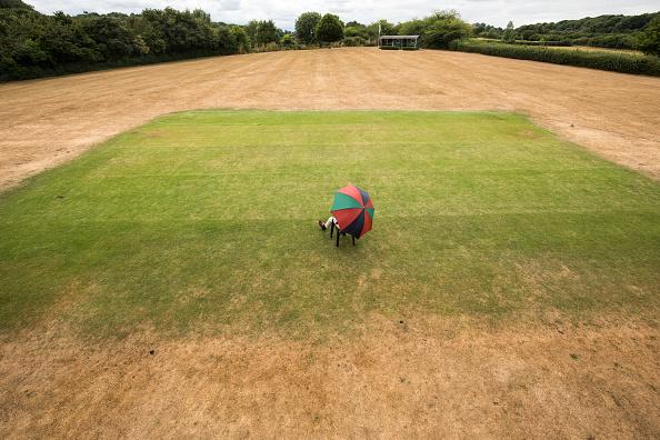 スポーツ用品「Hosepipe Ban Looms In Drought-hit Britain」:写真・画像(9)[壁紙.com]