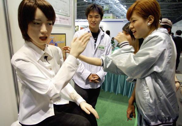 Robot Arm「Robocup Japan Open 2004 Kicks Off in Osaka」:写真・画像(2)[壁紙.com]