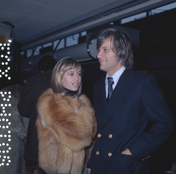 Coat - Garment「Susan George And Jack Jones」:写真・画像(11)[壁紙.com]