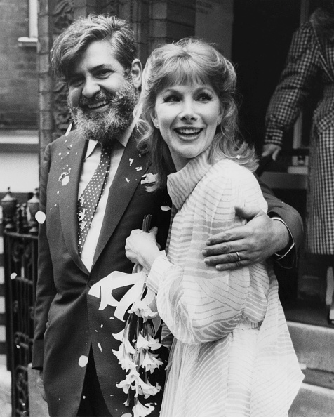 flower「Susan Hampshire Weds」:写真・画像(18)[壁紙.com]