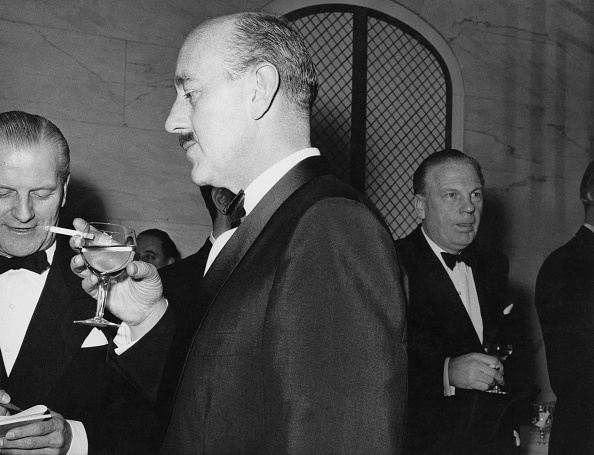 Drinking Glass「Guinness At Award Ceremony」:写真・画像(9)[壁紙.com]