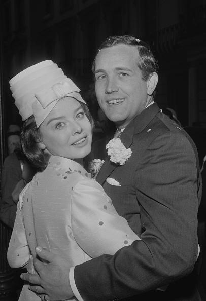 Reg Burkett「Wedding Of Ian Hendry And Janet Munro」:写真・画像(16)[壁紙.com]