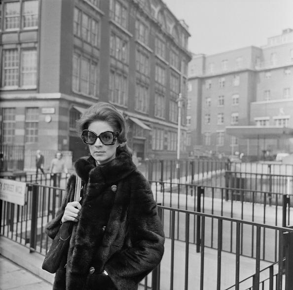 Sunglasses「Actress Jill Melford」:写真・画像(15)[壁紙.com]