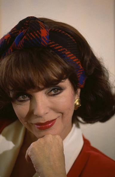 Larry Ellis Collection「Joan Collins」:写真・画像(18)[壁紙.com]