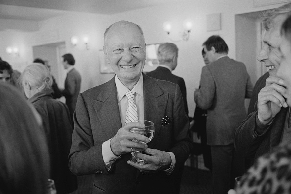 Drinking Glass「John Gielgud 80th Birthday Party Celebrations」:写真・画像(12)[壁紙.com]