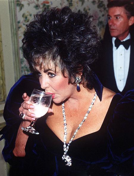 Crockery「Elizabeth Taylor」:写真・画像(0)[壁紙.com]
