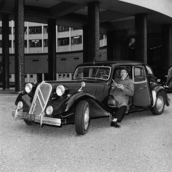 Electrical Equipment「Maigret's Traction Avant」:写真・画像(4)[壁紙.com]