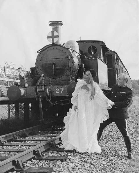 鉄道・列車「Margaret Leighton And Peter Sellers」:写真・画像(1)[壁紙.com]