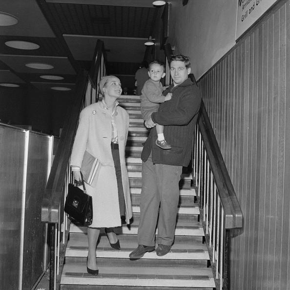 Heathrow Airport「Sylvia Syms, Alan Edney and Benjamin Edney」:写真・画像(15)[壁紙.com]