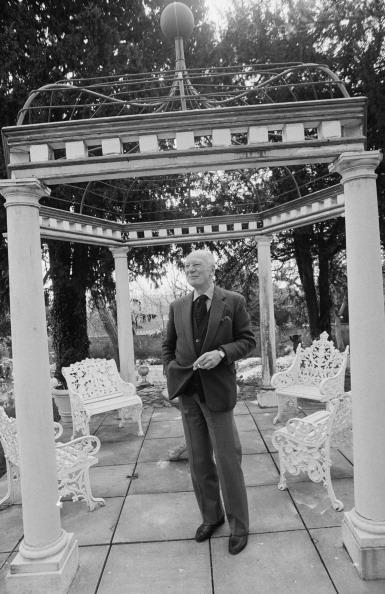 Architectural Feature「John Gielgud」:写真・画像(16)[壁紙.com]