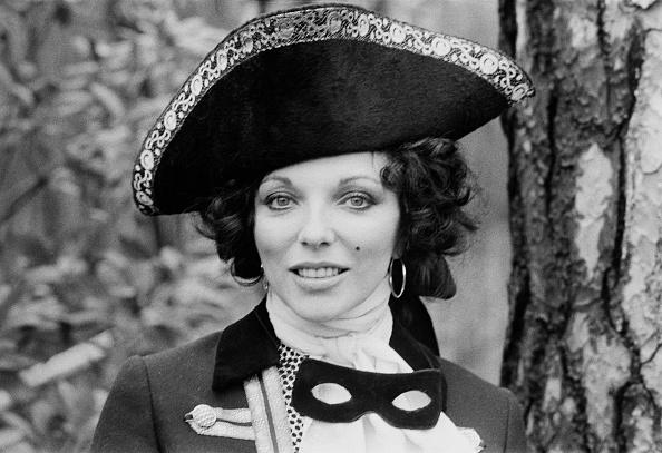 Comedy Film「Joan Collins」:写真・画像(11)[壁紙.com]