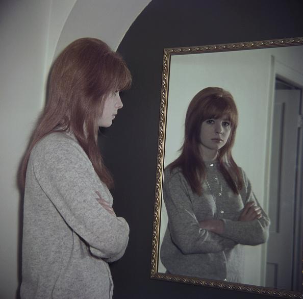 アッシャー「Jane Asher Reflects」:写真・画像(13)[壁紙.com]