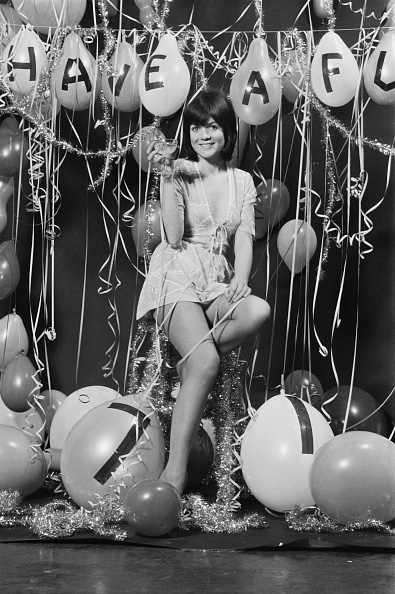 Streamer「Sally Geeson」:写真・画像(1)[壁紙.com]
